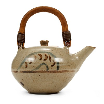 April Day 1: Studio Pottery by Revere Auctions