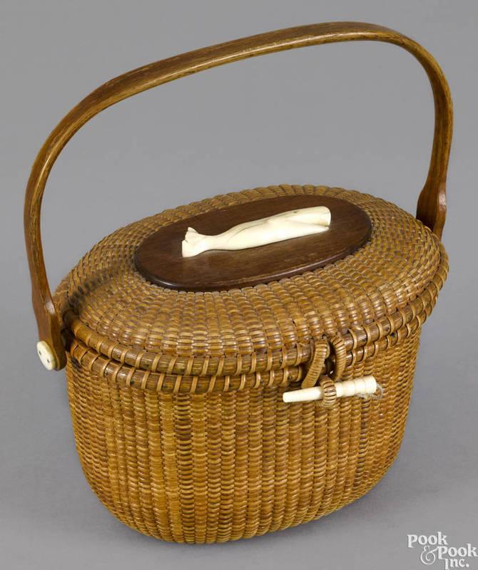 Super Nantucket lightship basket purse by Whalers Crafts, dated 1966  UT06