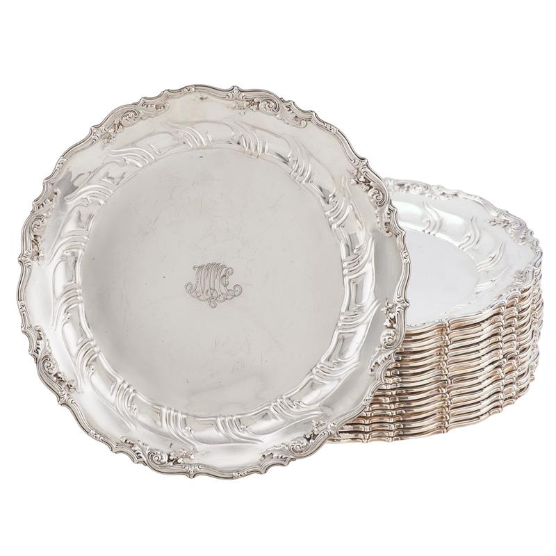 STERLING SILVER DINNER PLATES | Bidsquare  sc 1 st  Bidsquare & SET OF TIFFANY u0026 CO. STERLING SILVER DINNER PLATES | Bidsquare