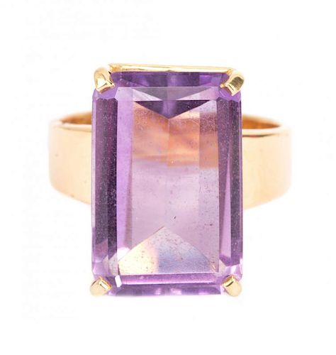 A Lady's Amethyst Ring 16 cts.