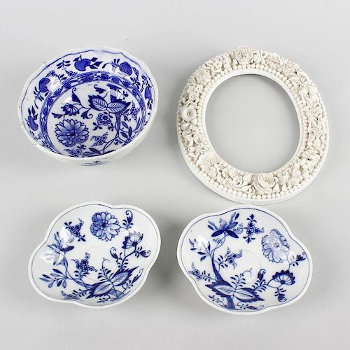 A small group of 19th century and later porcelain. To include: a Stevenson & Hancock Derby oval phot