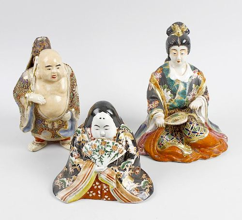 A box containing a mixed selection of Japanese Satsuma decorated pottery figures, and a Chinese porc