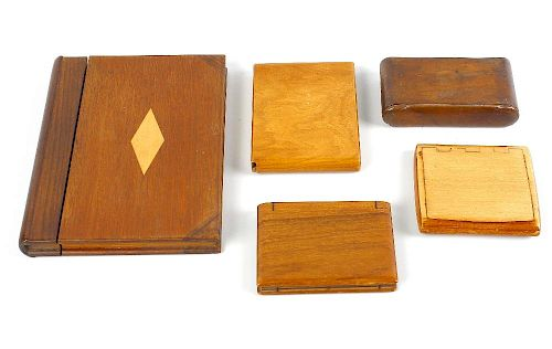 A selection of assorted wooden cigarette cases, etc. To include an example having floral carved exte