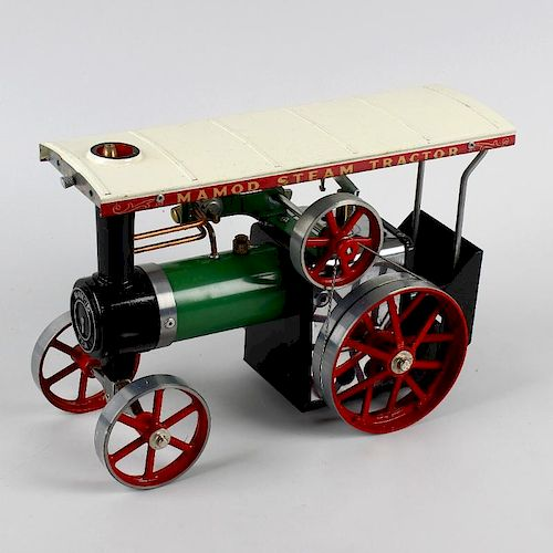 A Mamod TE1A, live steam model showmans type traction engine in original box, together with a simila