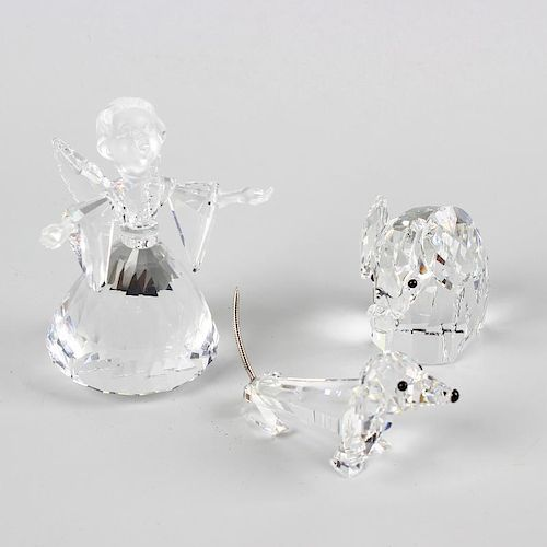 84b6b1221609 A box containing a selection of Swarovski crystal glass animals and ...