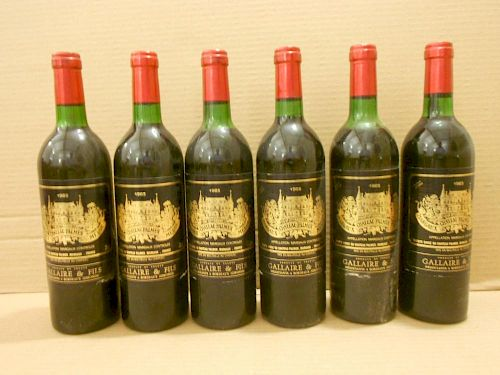 Chateau Palmer, Margaux 3eme Cru 1983, twelve bottles. Removed from a college cellar. Levels two top