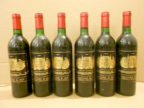 Chateau Palmer, Margaux 3eme Cru 1983, twelve bottles. Removed from a college cellar (one level at t