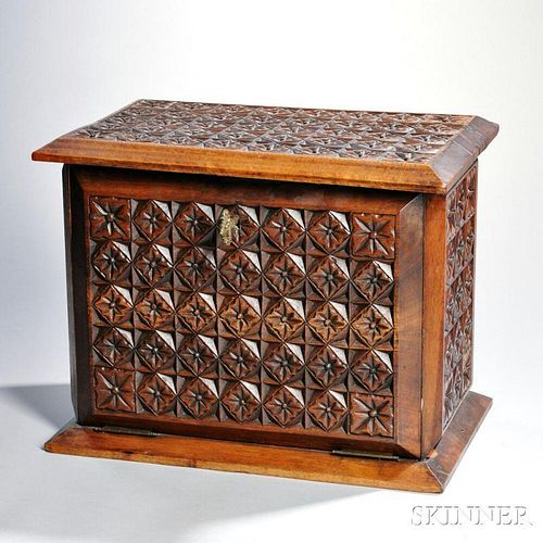 Elizabethan Revival-style Carved Box