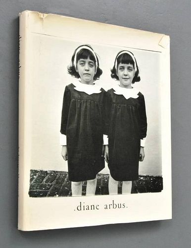 Book 'Diane Arbus An Aperture Monograph'