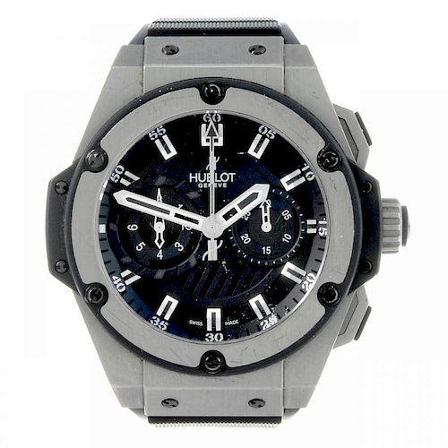 HUBLOT - a limited edition gentleman's King Power chronograph wrist watch. Number 16 of 500. Titaniu