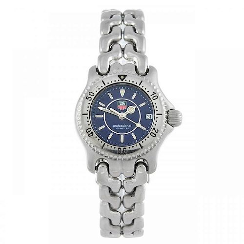 TAG HEUER - a lady's S/el bracelet watch. Stainless steel case with calibrated bezel. Reference WG14