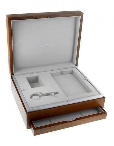 JAEGER-LECOULTRE - a complete watch box.