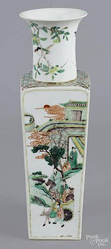 Chinese Kangxi Wucai vase, decorated with figur