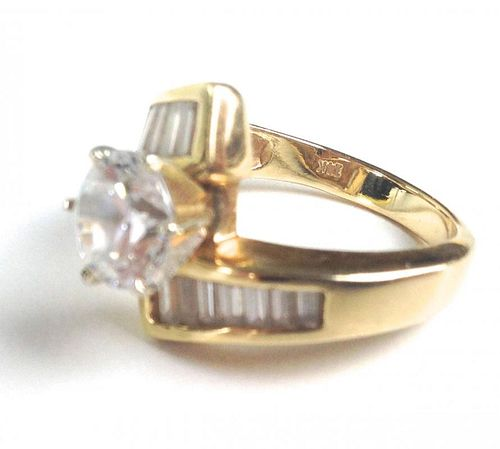 14K yellow gold lady's ring with round cut center imitation diamond, 8.3 g total wt