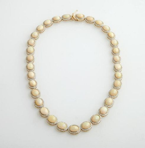 14K Yellow Gold Link Necklace, each of the 33 oval