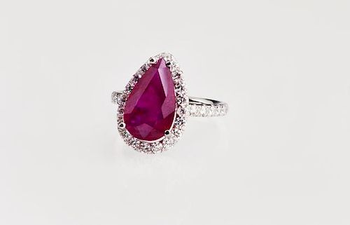 Lady's Platinum Dinner Ring, with a 5.08 carat pea