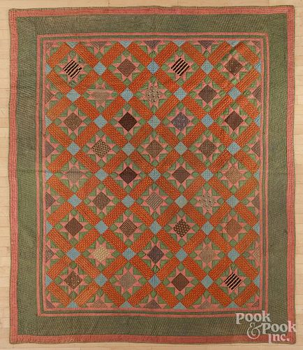 Pieced star pattern quilt, late 19th c., 86'' x 73''.
