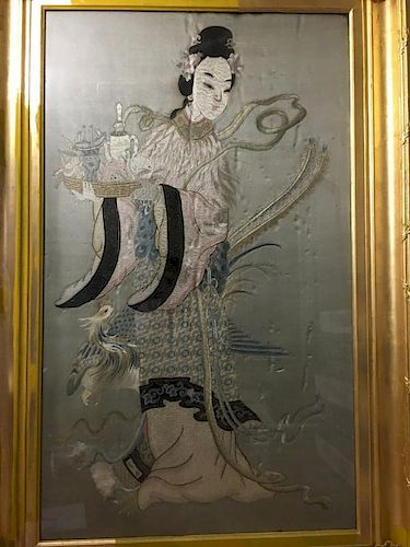 ANTIQUE Huge Chinese Embroidery of Guanyin with flowers and deer, 19th Century 中国古代有花和鹿的观音造像,19世纪