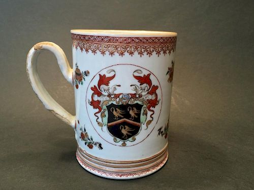 "ANTIQUE Chinese Large Armorial Mug, 18th C. 5 1/2"" high 中国古代大纹饰杯、18世纪,高5.5英寸"