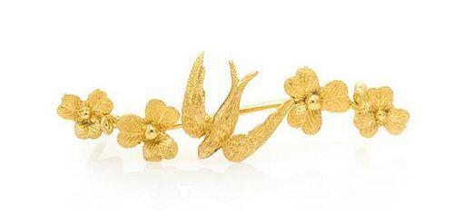 A Victorian 15 Carat Yellow Gold Bird Brooch, 1.40 dwts.