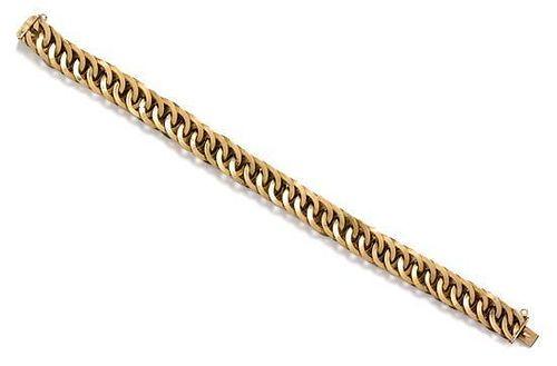 An 18 Karat Yellow Gold Fancy Link Chain Bracelet, 47.10 dwts.