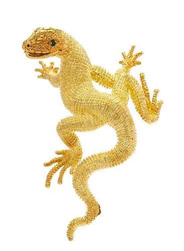 An 18 Karat Yellow Gold and Emerald Lizard Brooch, Kurt Wayne, 15.70 dwts.