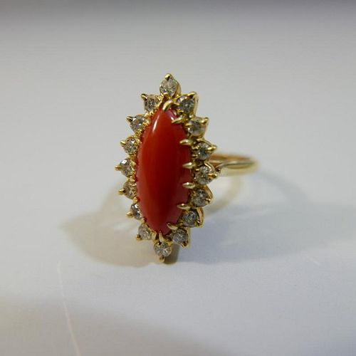 STUNNING 14K GOLD RED CORAL AND DIAMOND RING - 4 GRAMS