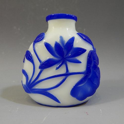 ANTIQUE CHINESE PEKING GLASS SNUFF BOTTLE - 19TH CENTURY