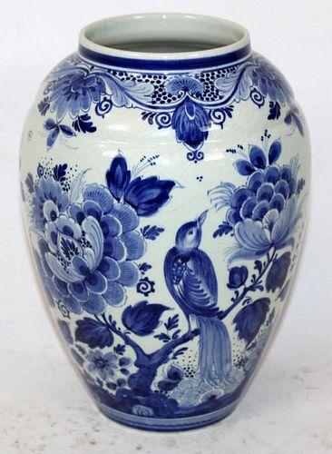 Delft Holland blue & white vase
