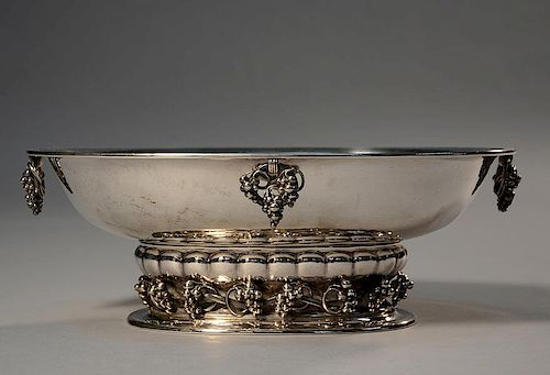 Silver Georg Jensen grape pattern oval center piece