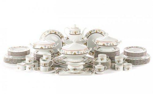 97 Pieces Ancienne Manufacture Royale Décor Mékong
