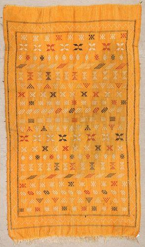 "Vintage Moroccan Kilim: 3'11"" x 7'1"" (119 x 217 cm)"