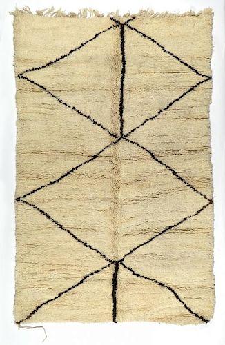 Vintage Moroccan Rug: 5'4'' x 8'2'' (163 x 249 cm)