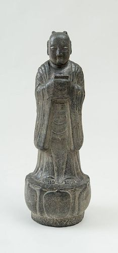 CHINESE TANG STYLE CARVED STONE FIGURE OF AN ACOLYTE