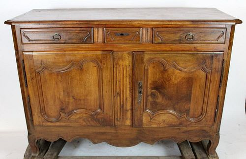 Louis XV buffet bas in walnut