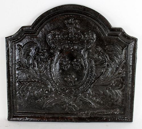 Cast iron fireback with crown