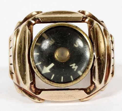 10KT GOLD RING W/ COMPASS