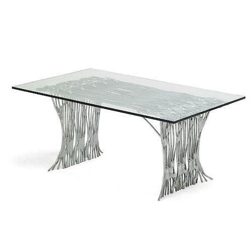 ARTHUR COURT Dining table
