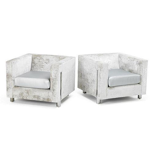 CONTEMPORARY Pair of lounge chairs