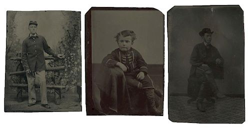 [Civil War] Group of 10 American and European Military Tintypes and CDVs