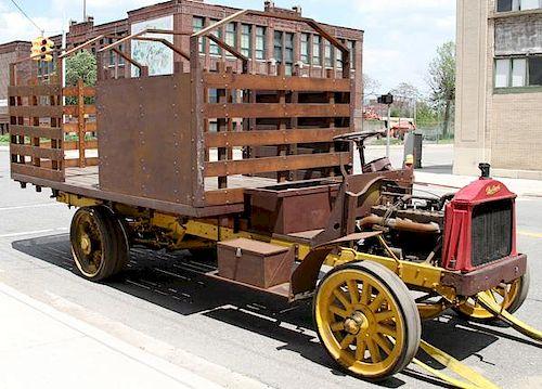 1918-1919 PACKARD STROH'S BREWERY TRUCK MODEL 'E'