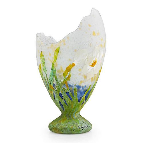 DAUM Fine vase with daffodils