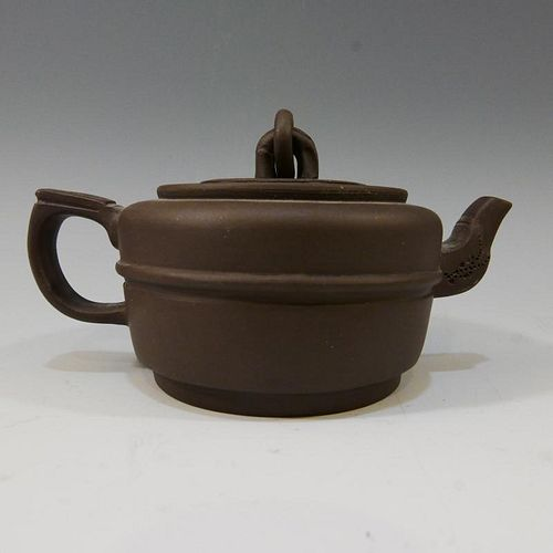 CHINESE ANTIQUE YIXING ZISHA TEAPOT - MARKED