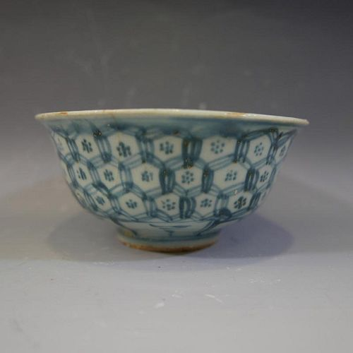 ANTIQUE CHINESE BLUE WHITE PORCELAIN BOWL - MING DYNASTY