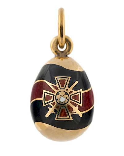 A FABERGE GOLD AND ENAMEL EGG PENDANT WITH THE RIBBON AND ORDER OF ST. VLADIMIR, KARL FABERGE, ST. PETERSBURG, 1899-1908