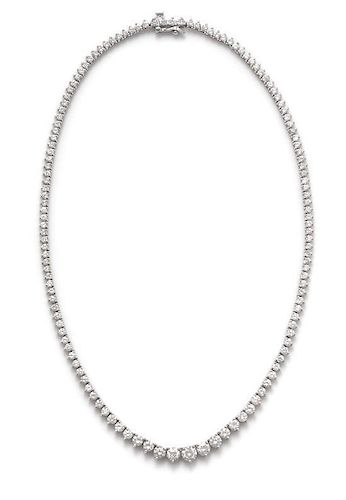 A 14 Karat White Gold and Diamond Riviera Necklace, 14.20 dwts.