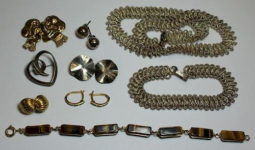 JEWELRY. Contemporary Gold and Silver Jewelry.