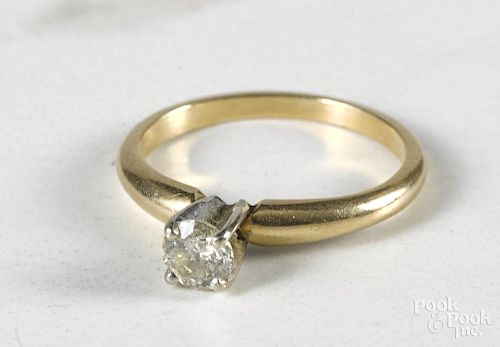 14K gold and diamond ring, 1.2 dwt.