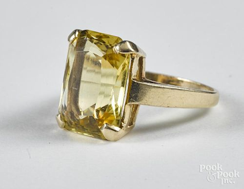 14K gold and yellow topaz ring