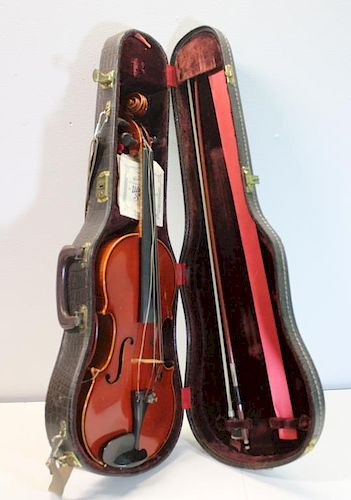 Heinrich Roth Viola in Hard Shell Case with a